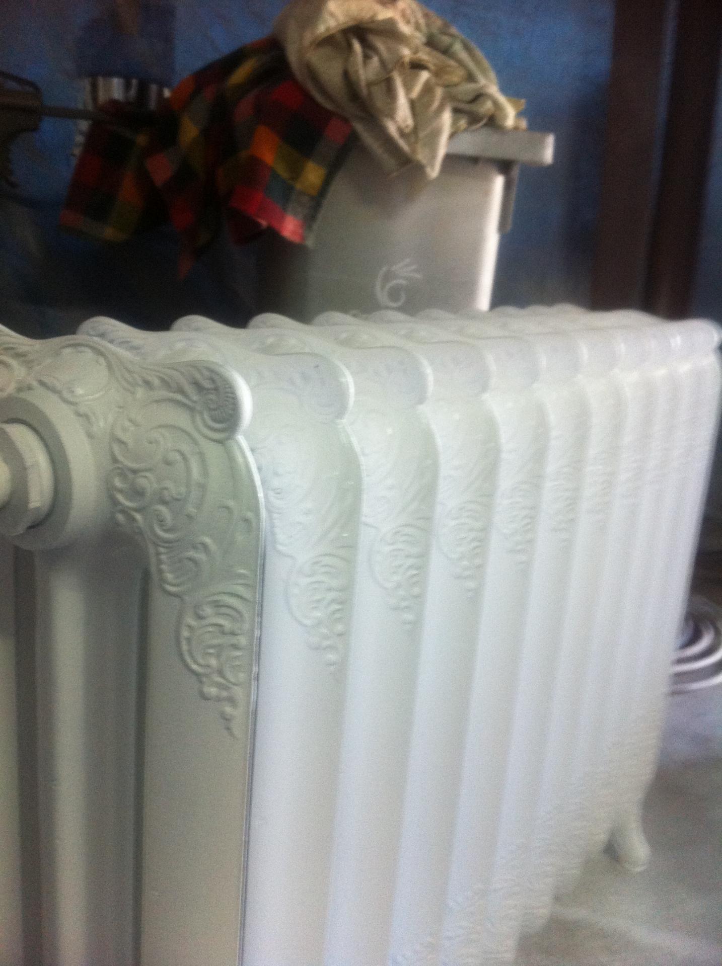 d capage de radiateurs en fonte radiateur. Black Bedroom Furniture Sets. Home Design Ideas